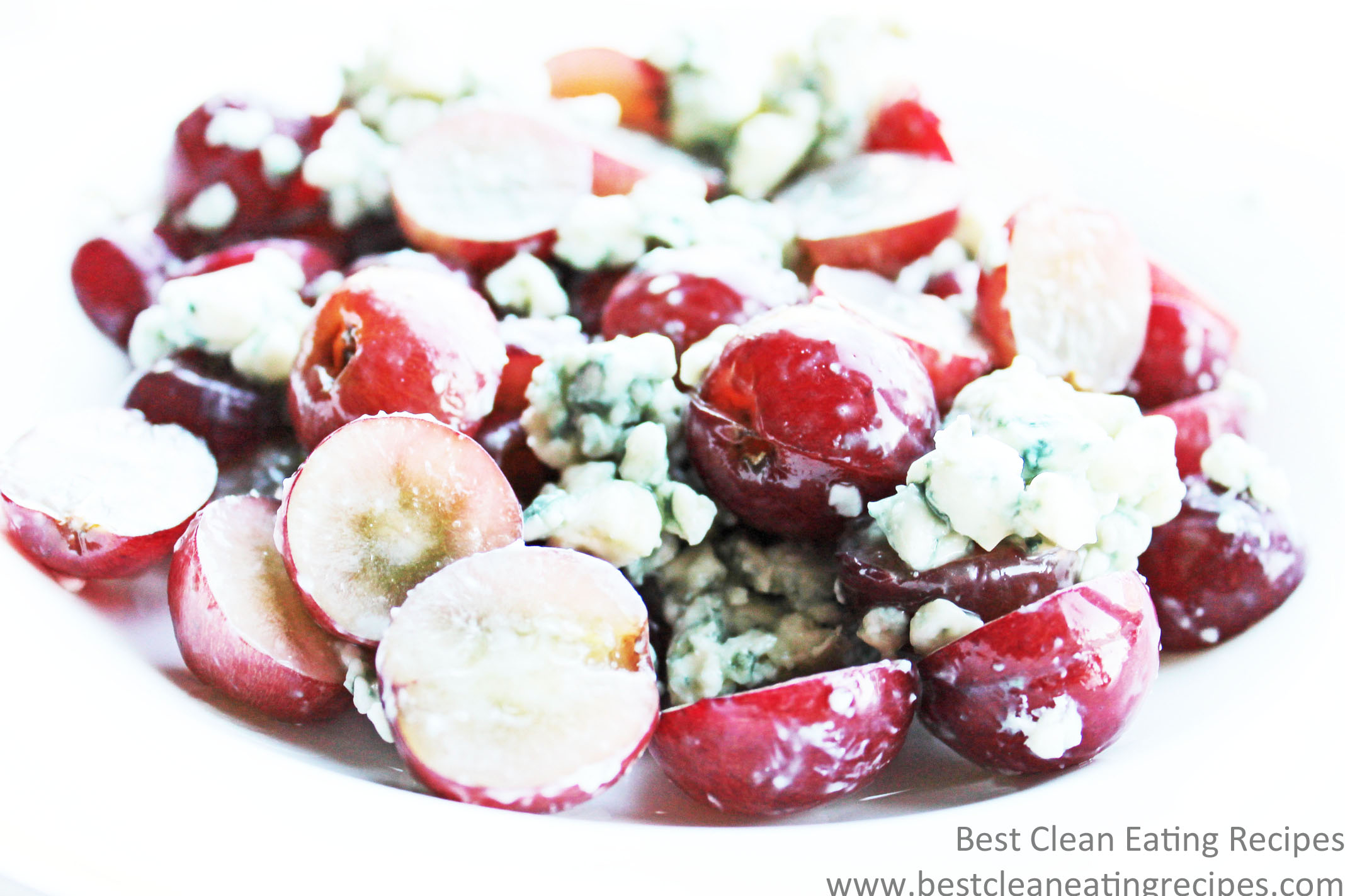 Clean Eating Snack Recipe – Grape and Blue Cheese Bowl