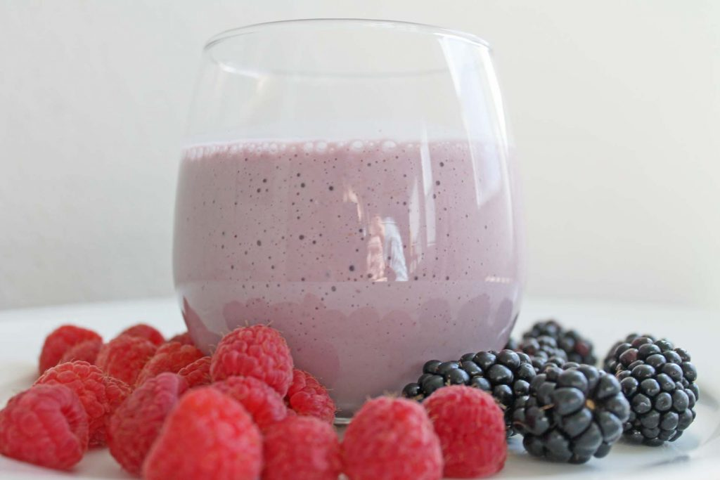 clean eating recipe black and berry smoothie
